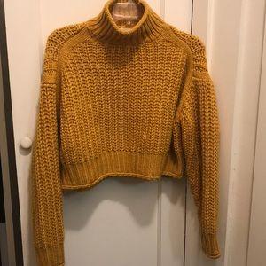 ⭐️Last Chance⭐️ H&M - Cropped Sweater